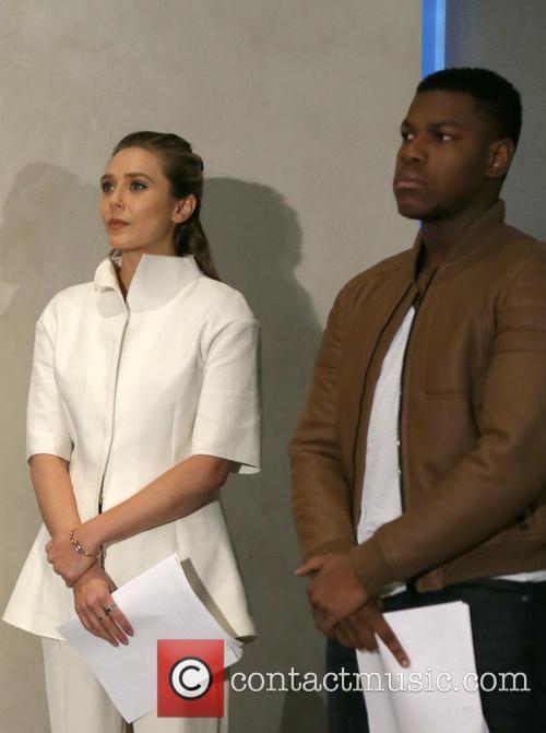 Elizabeth Olsen and John Boyega 6