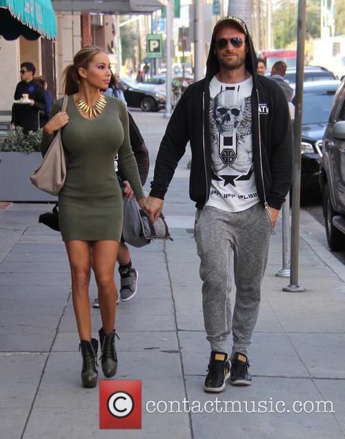 Bastian Yotta and Maria Yotta 8
