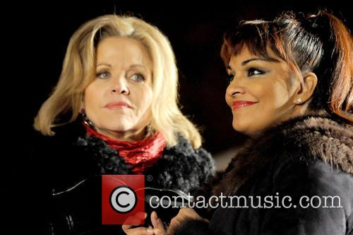 Renee Fleming and Danielle De Niese 7
