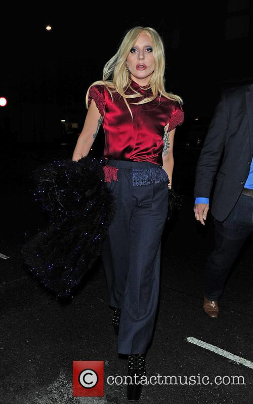 Lady Gaga stops at an off license in...