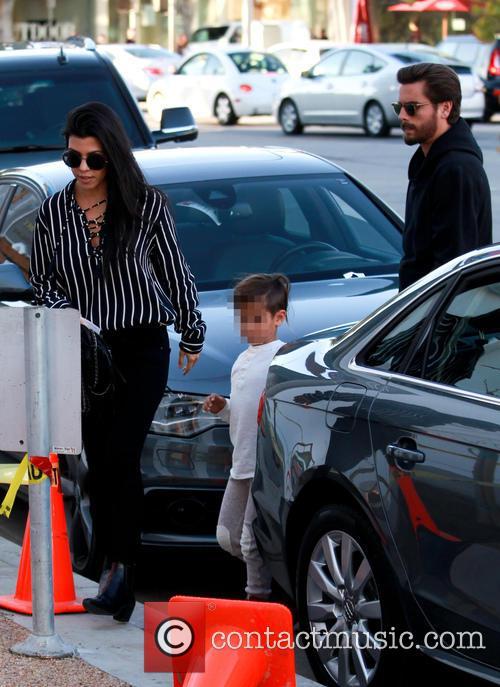Kourtney Kardashian, Scott Disick and Mason Dash Disick 2