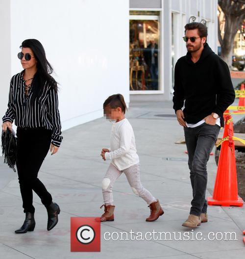 Kourtney Kardashian, Scott Disick and Mason Dash Disick 4