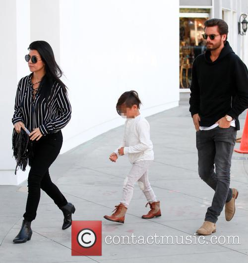 Kourtney Kardashian, Scott Disick and Mason Dash Disick 6
