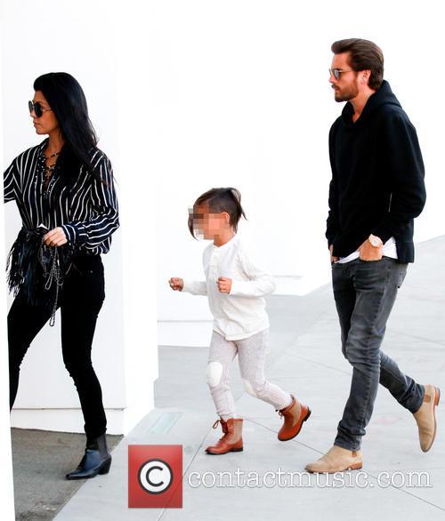 Kourtney Kardashian, Scott Disick and Mason Dash Disick 7