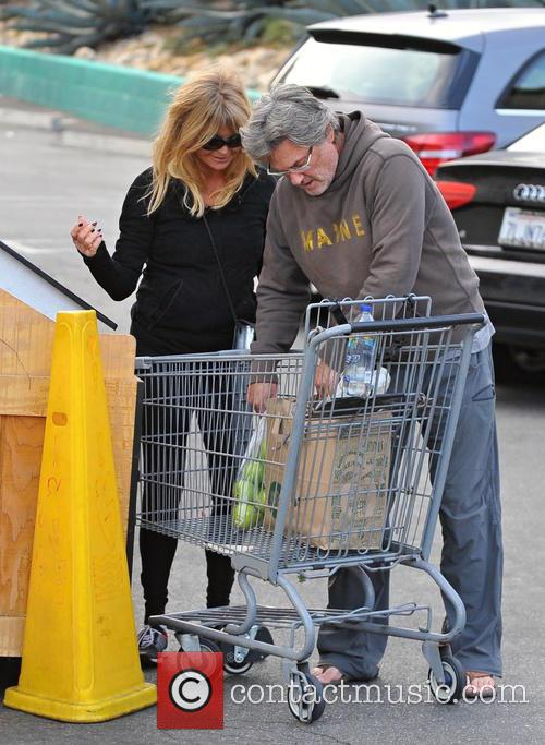 Goldie Hawn and Kurt Russell 8