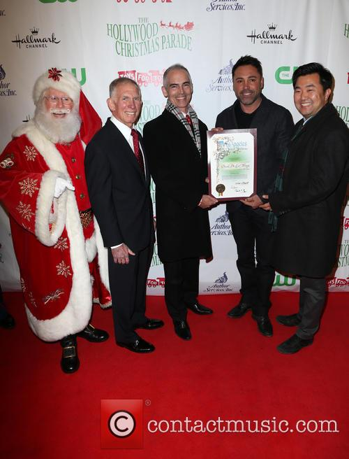 Pete Osman, Santa, Mitch O'farrell, Oscar De La Hoya and David E. Ryu 1