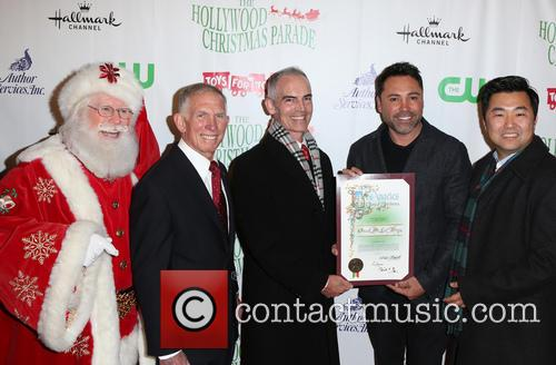 Pete Osman, Santa, Mitch O'farrell, Oscar De La Hoya and David E. Ryu 3