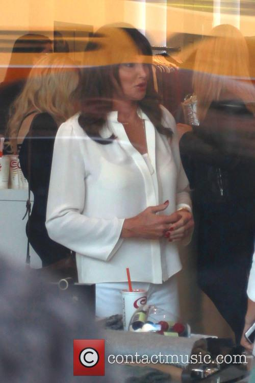 Caitlyn Jenner Apologises Over 'Man In A Dress' Remarks