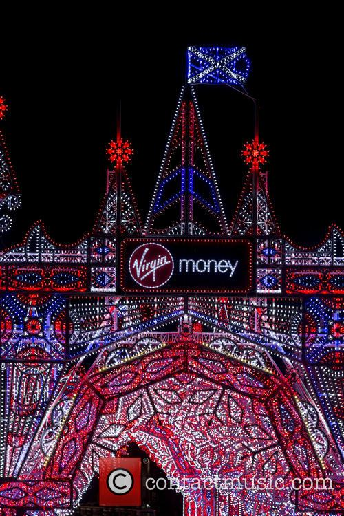 Virgin Money Street, Light and Edinburgh 7
