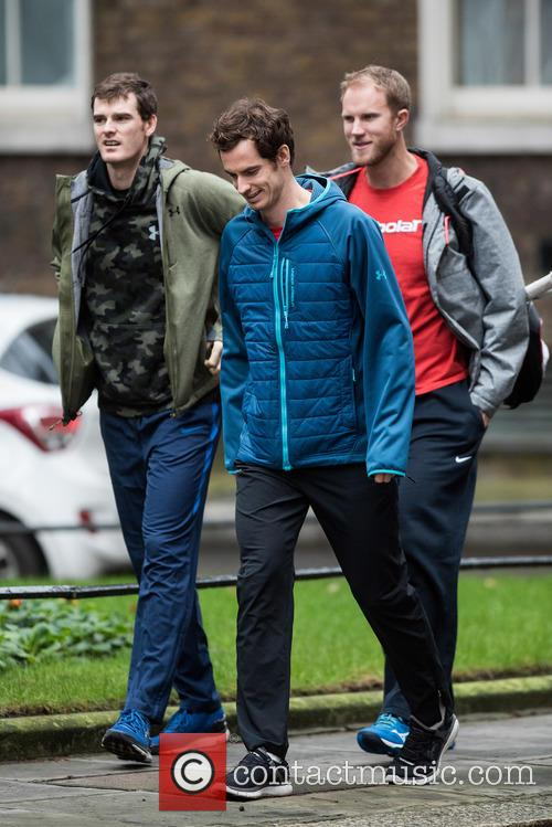 Andy Murray, Dominic Inglot and Jamie Murray 7