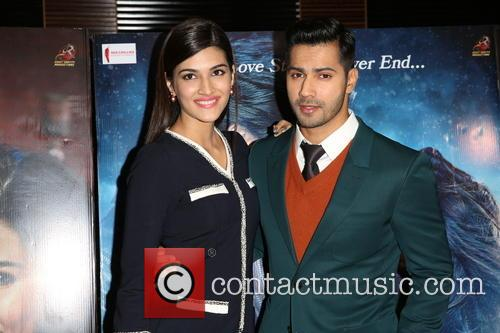 Kriti Sanon and Varun Dhawan 3