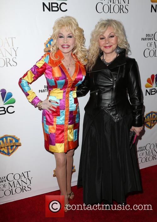 Dolly Parton and Stella Parton 4