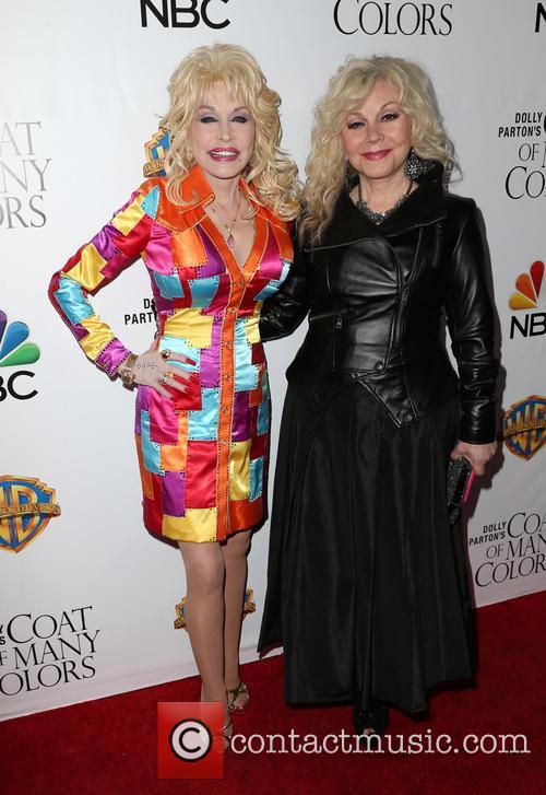 Dolly Parton and Stella Parton 5
