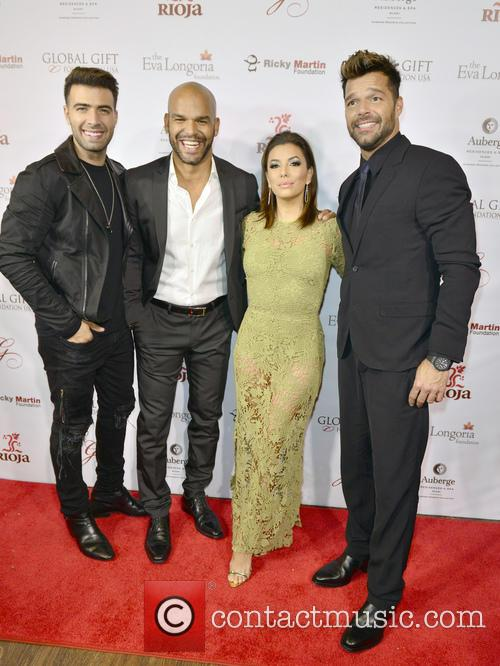 Jencarlos Canela, Amaury Nolasco, Eva Longoria and Ricky Martin 3