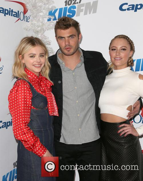 Chloe Grace Moretz, Alex Roe and Maika Monroe 2