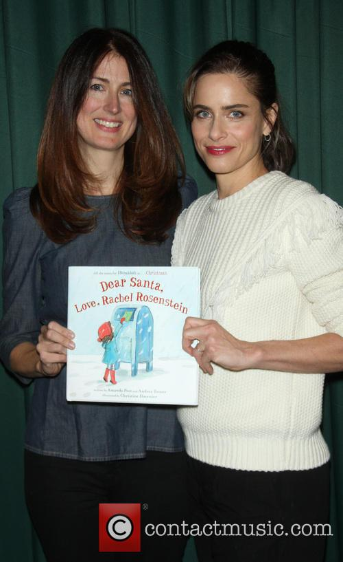 Andrea Troyer and Amanda Peet 1