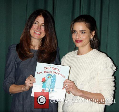Andrea Troyer and Amanda Peet 2