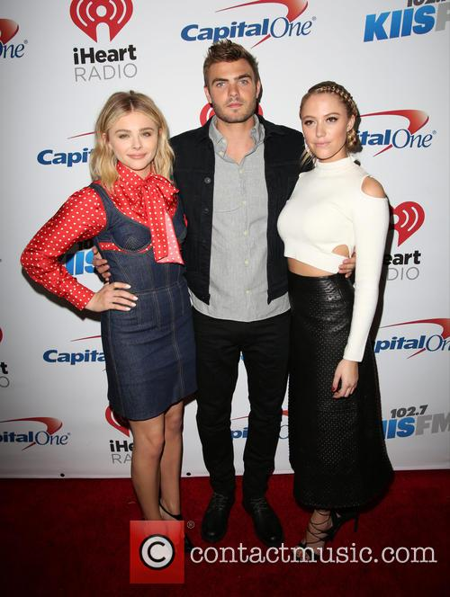 Chloe Grace Moretz, Alex Roe and Maika Monroe 3