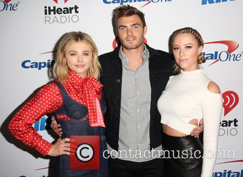 Chloe Grace Moretz, Alex Roe and Maika Monroe 4