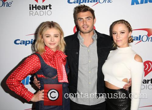 Chloe Grace Moretz, Alex Roe and Maika Monroe 5