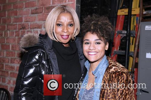 Mary J. Blige and Ariana Debose 9