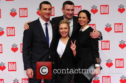 Hayden Panettieri, Wladimir Klitschko, Natalie Klitschko and Vitali Klitschko 5