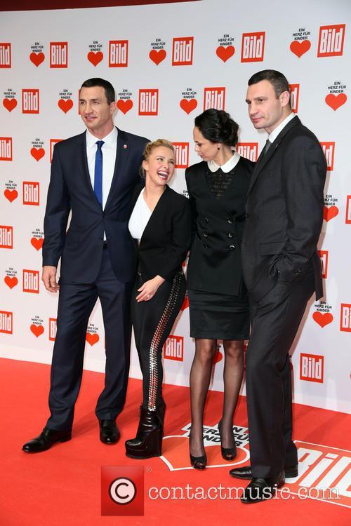Wladimir Klitschko, Hayden Panettiere, Natalia Klitschko and Vitali Klitscho 10
