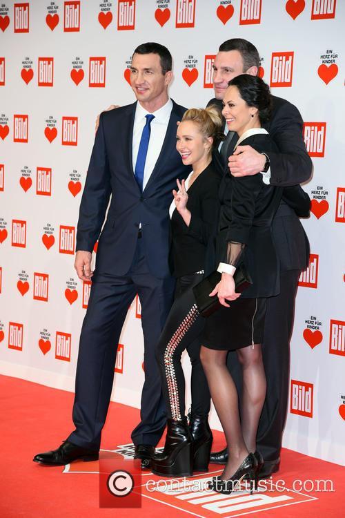 Wladimir Klitschko, Hayden Panettiere, Natalia Klitschko and Vitali Klitscho 11