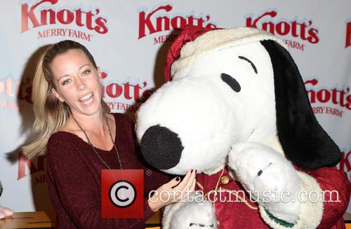 Knott's Berry Farm's Countdown To Christmas And Snoopy's...