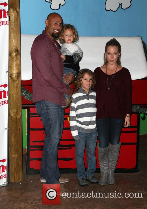 Hank Baskett, Alijah Baskett and Kendra Wilkinson 5