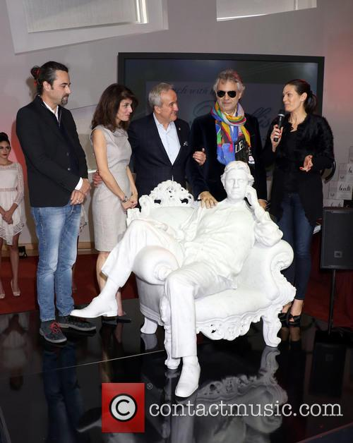 Gualtiero Vanelli, Camille Ruvo, Larry Ruvo, Andrea Bocelli and Veronica Berti 3