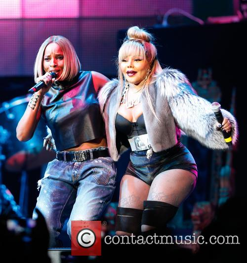 Mary J. Blige and Lil Kim 7