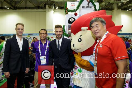 George Tanasijevich, David Beckham, Muhammad Rostam Umar and Lim Teck Yin 1