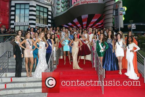Miss Universe Contestants 2015 and Miss Universe 2014 Paulina Vega 4