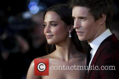 Alicia Vikander and Eddie Redmayne 5