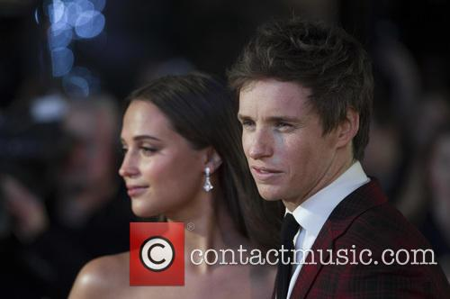 Alicia Vikander and Eddie Redmayne 7