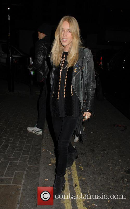 Gwen Stefani and Mary Charteris 6