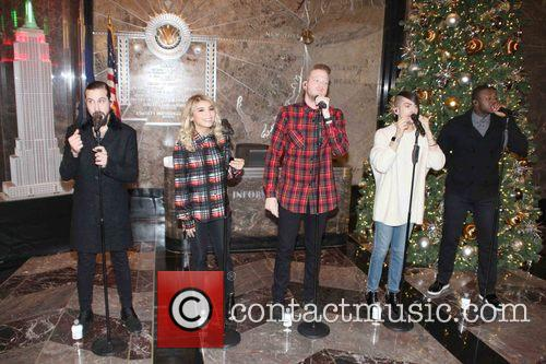 Pentatonix, Avi Kaplan, Scott Hoying, Kristie Maldonado, Mitch Garssi and Kevin Olusola 6