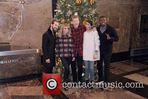 Pentatonix, Avi Kaplan, Scott Hoying, Kristie Maldonado, Mitch Garssi and Kevin Olusola 9