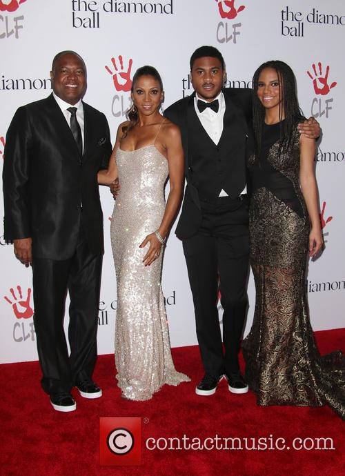 Rodney Peete, Holly Robinson Peete and Ryan Elizabeth Peete 3