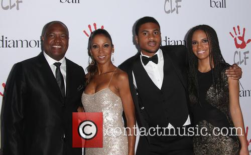 Rodney Peete, Holly Robinson Peete and Ryan Elizabeth Peete 5