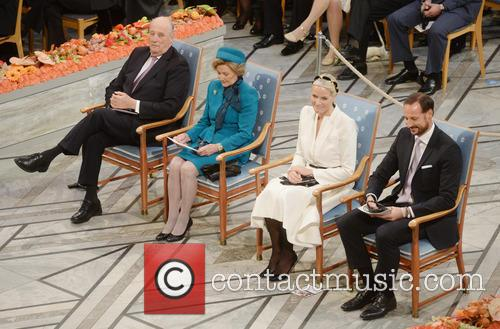 Kinh Harald V, Queen Sonja, Norwegian Crown Princess Mette Marit and Crown Prince Haakon 1
