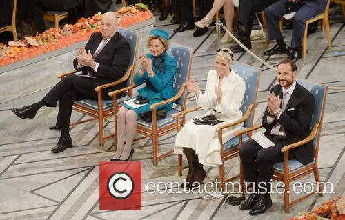 Kinh Harald V, Queen Sonja, Norwegian Crown Princess Mette Marit and Crown Prince Haakon 2
