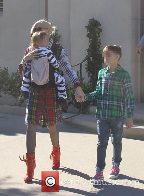 Gwen Stefani, Apollo Rossdale and Kingston Rossdale 7