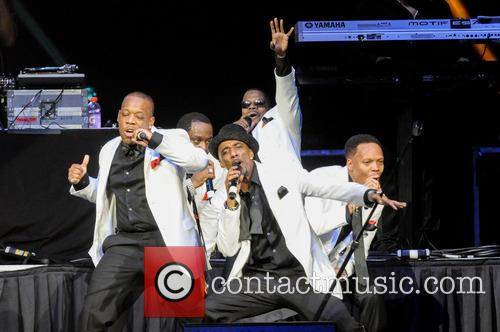 Ricky Bell, Johnny Gill, Ronnie Devoe, Michael Bivins and Ralph Tresvant 7