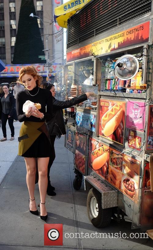 Bella Thorne at a New York Hotdog Truck