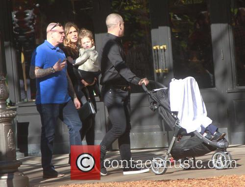Robbie Williams, Ayda Field and Theodora Rose Williams 1