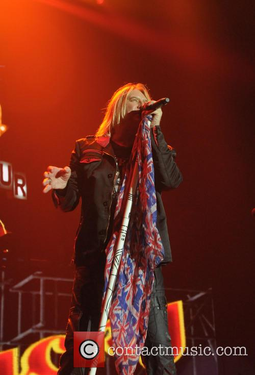 Joe Elliot and Def Leppard 11