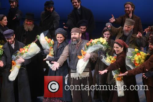 Jessica Hecht, Danny Burstein and Cast 6