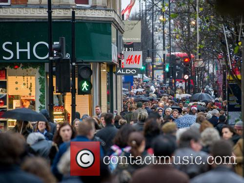 Christmas Shoppers, Atmosphere and View 10